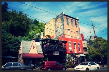 the buildings in Eureka Springs are so whimsical!