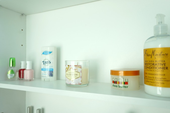 what's in my bathroom cabinet: winter | by the Rachel Running Wild blog | rachelrunningwild.me